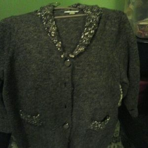 Buttoned done sweater